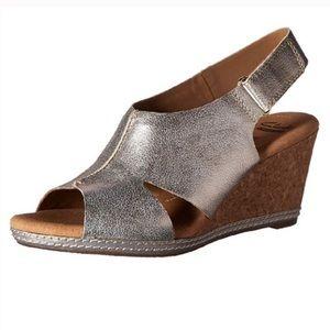 EUC Clark's Helio Float Pewter Wedge Shoes Sz 7.5